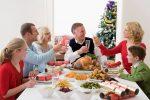 christmas-family-dinner-table