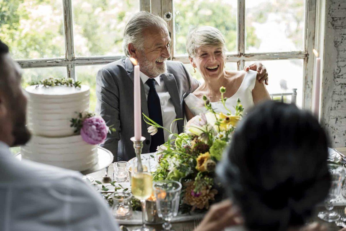 celebrate wedding anniversary