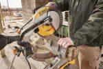 sliding compound miter saw